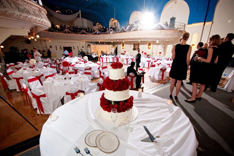 Couple's wedding cake