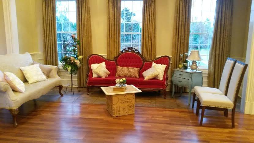 lounge at magnolia room