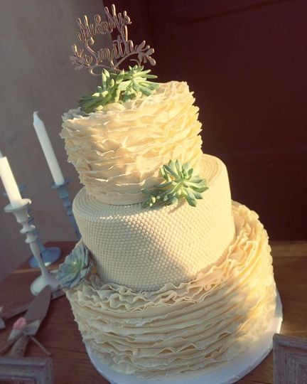 Wee Little Cakes - Wedding Cake - Las Vegas, NV - WeddingWire
