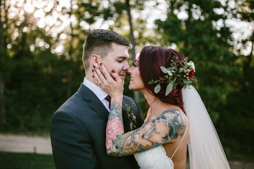 3131d792debe1493 1498686752992 midwest lifestyle wedding photographers 18