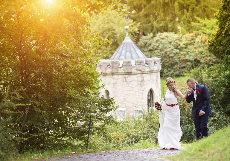 fa6c9a27299b1068 Bridal Couple external