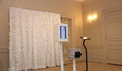 Snap And Sketch Photo Booths