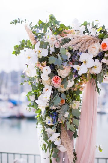 Beautiful Arch Florals