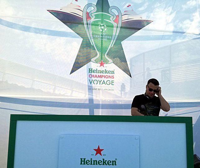 Ari @ UEFA Champions part