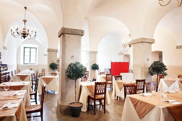 sala con archi ristorante melograno