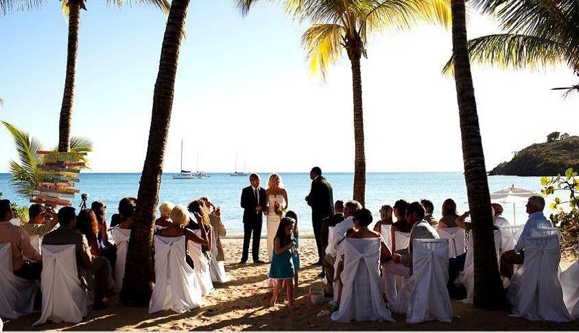 Wedding on the beach of Carlisle Bay