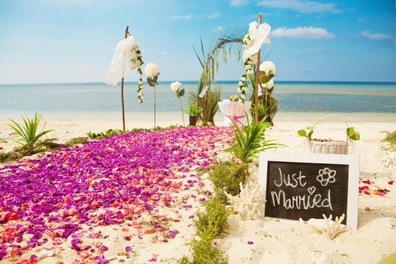 beach ceremony for oahu wedding packages 800x533