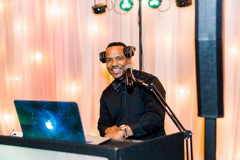 DJ Prez playing the hits.