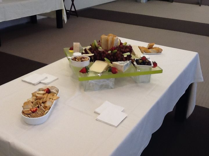 20 person fruit and cheese