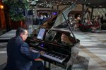 Pianist - Mike Mansour image