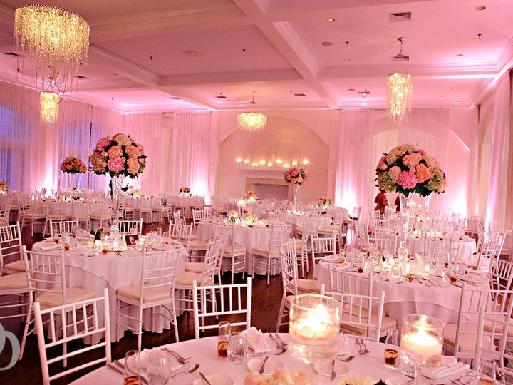 Tmx 1522376976 938a02ce9d3db668 1522376975 4ba039d9bf79ad3e 1522376974991 44 WhenGuestsEnter Boston, MA wedding dj