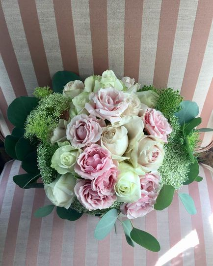 A romantic bouquet of roses