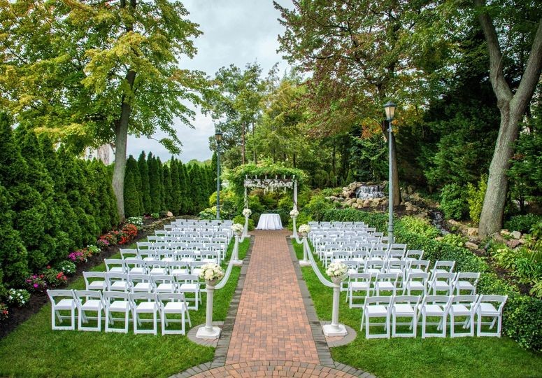 Fox hollow catering hotel restaurant reviews ratings for Outdoor wedding venues ny