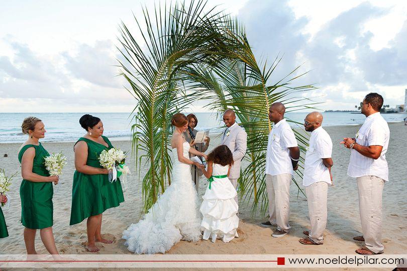 San juan water beach club hotel wedding ceremony for Wedding venues in puerto rico