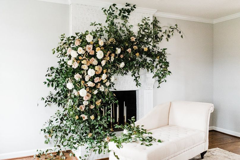 The white room with leafy details