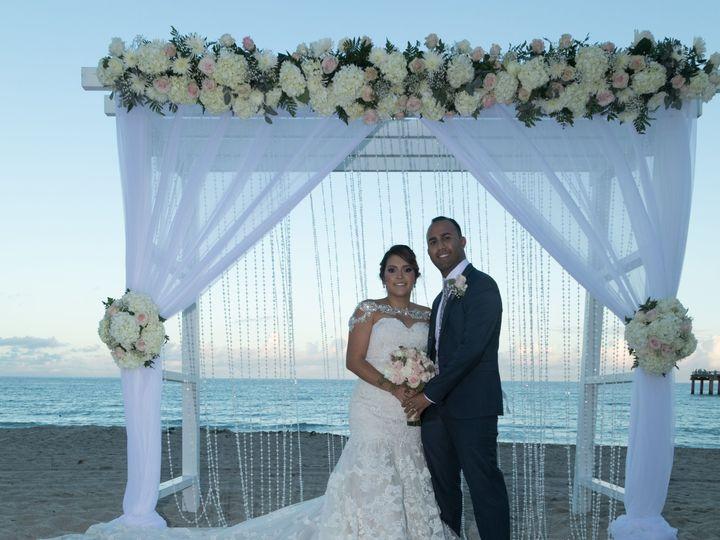 Tmx 1519756717 4b158fd87262c8c6 1519756713 88a78ad1fa80597b 1519756712532 6 Johnny   Portraits North Miami Beach wedding venue