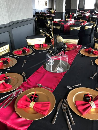Reception table with centerpiece