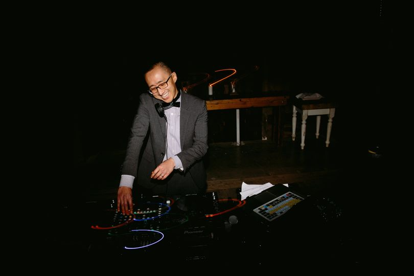 Thew wedding dj