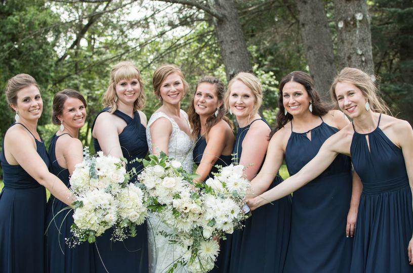 e03d1a9ba4257505 1535134221 3c511158e84670ee 1535134222368 4 bridesmaids