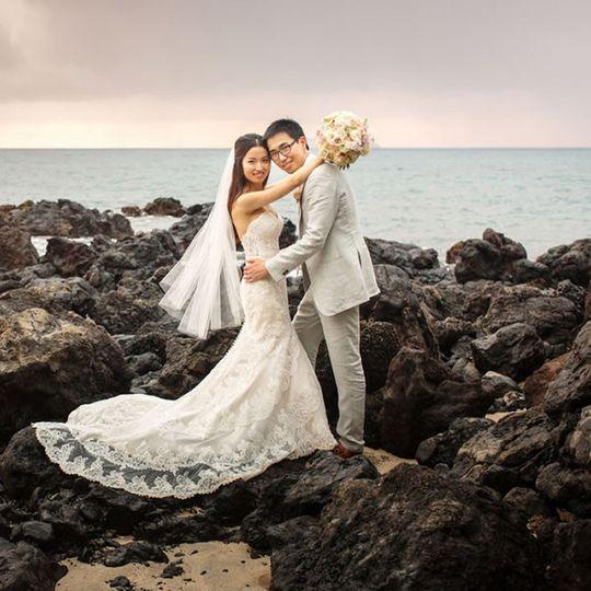 600x6001451934029444 glamorous hawaii estate weddi