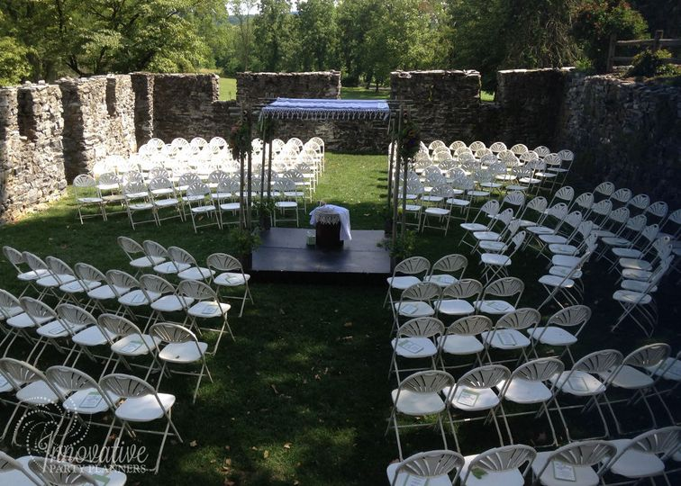 Wedding Ceremony in the Stones Ruins, Stocks Manor