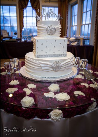 Winter wonderland wedding cake, Rolling Road Golf Club