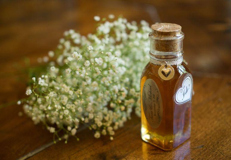 Customized honey wedding favor