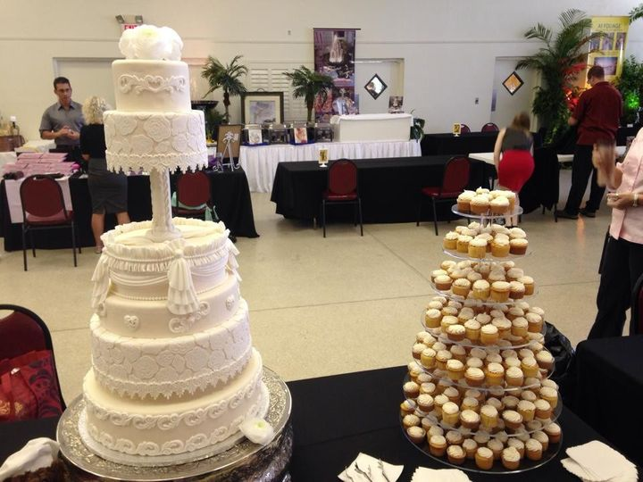 Tmx 1436101463027 106471457091662591587086565908139723314319n Palm Harbor, Florida wedding cake