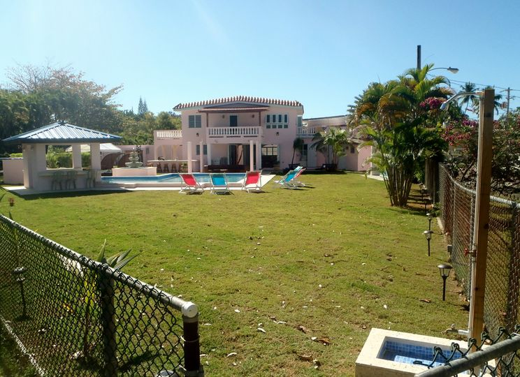 Villa  Grounds