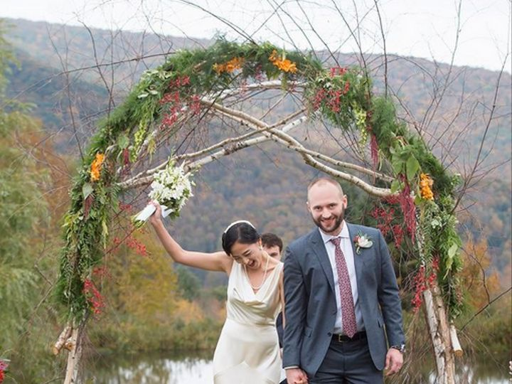 Tmx Screen Shot 2018 10 18 At 6 40 50 Pm 51 721030 1572356041 Oneonta, NY wedding florist