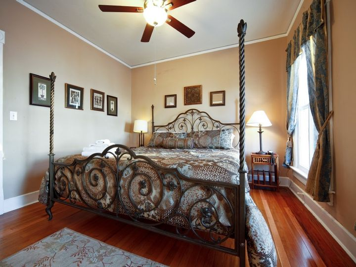 cedar house king size bed