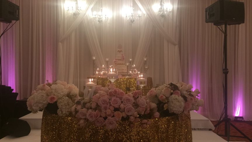Sweetheart Table w. Draping