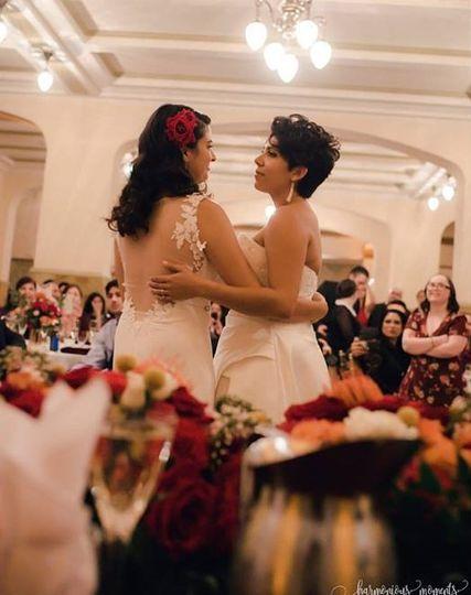 Brides on Dancefloor