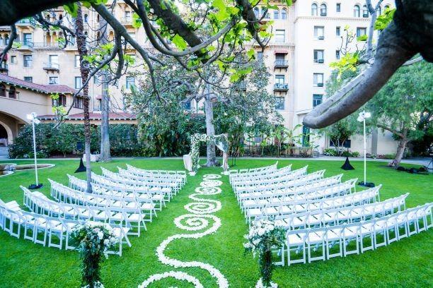 Unique decor for an outdoor ceremony