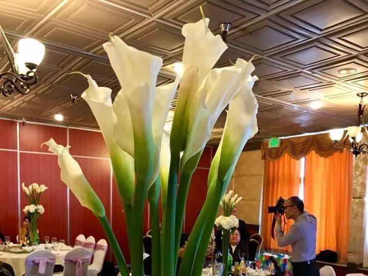 Tmx 1522686946 2554ec2a8725faad 1522686945 F4ba9a90fa5b3301 1522686943439 7 Tall Centerpiece Kent, Washington wedding florist