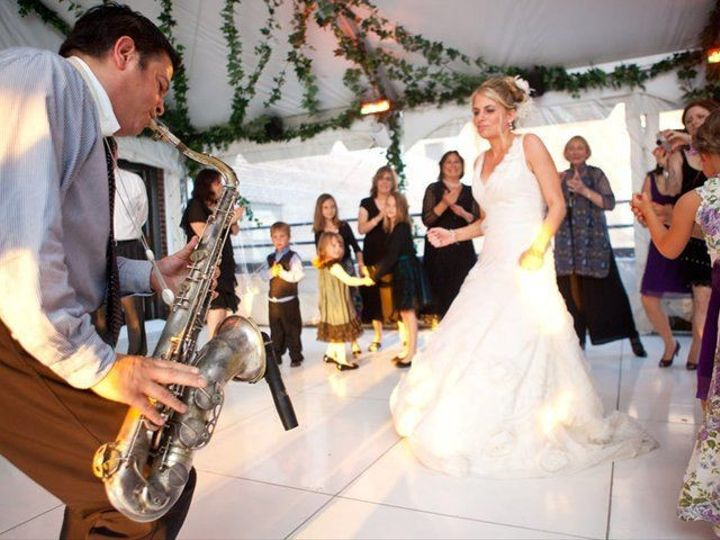 Tmx 1499794868503 529a0d2f 3689 4506 833d 745d48e92476 Rs2001.480.fi New York wedding band