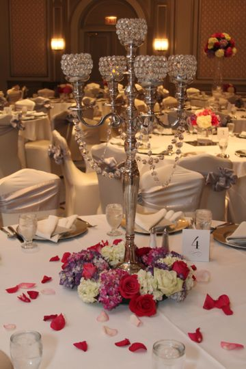 800x800 1424379464965 candelabra with pink white wreath