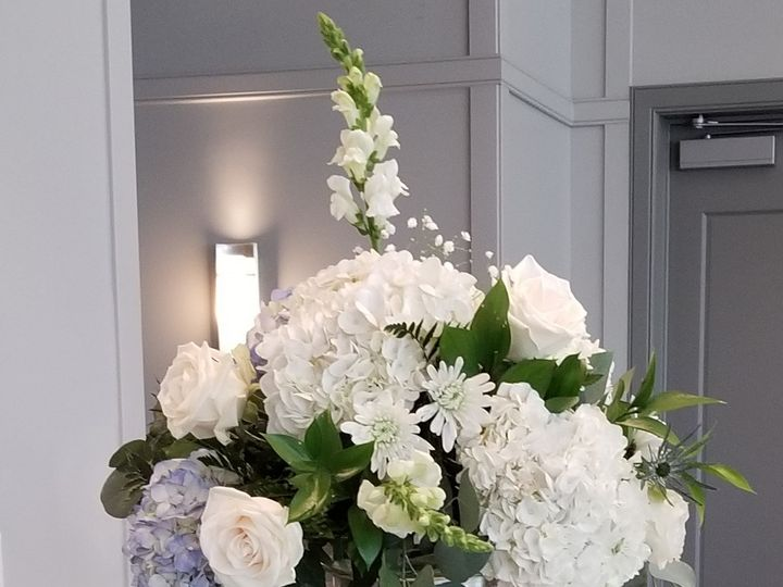Tmx Tall Blue And White Centerpiece 2 51 81130 157904201921090 Fraser, MI wedding florist