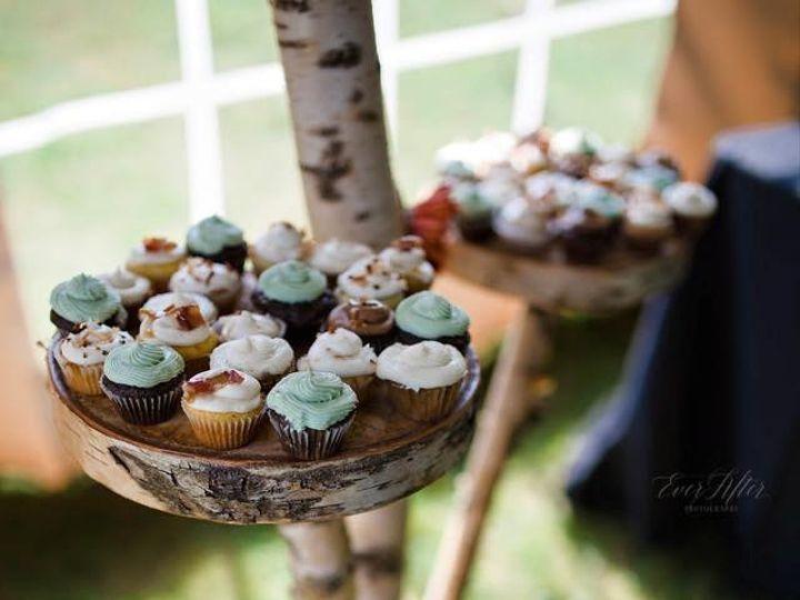Tmx Dea22658 7b65 489b Bd2c B2350f0d60c3 51 791130 Moriah wedding cake
