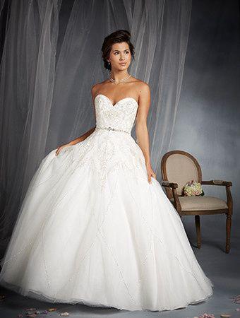 Tmx 1491338702826 4b68e359 B2d3 419e B631 794611eb3dd9.enlargedfront Bedford, New Hampshire wedding dress