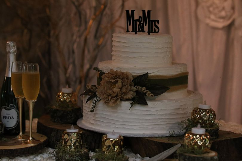 Cake and champange