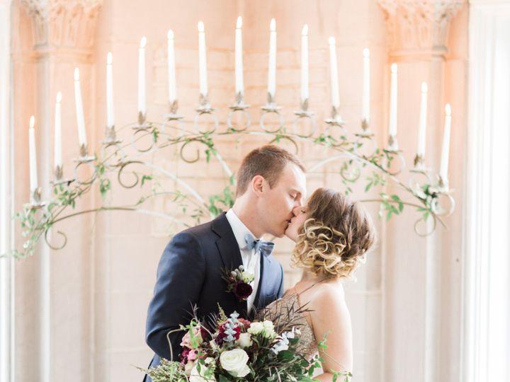 Tmx Bridegroomkissfloorcandelabra 51 482130 157819619414341 Indianapolis, IN wedding rental