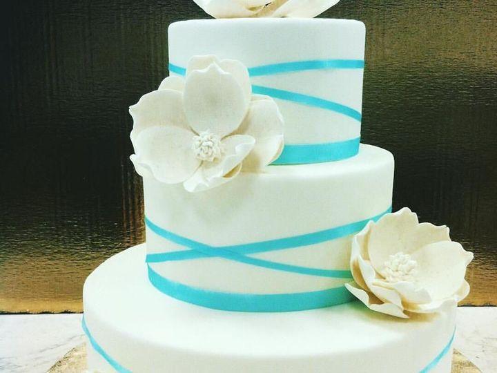 Tmx 1523925172 89990d28a62e31b6 1523925171 D112c9a6b9c3c928 1523925172114 3 22519072 107457246 Tampa, FL wedding cake