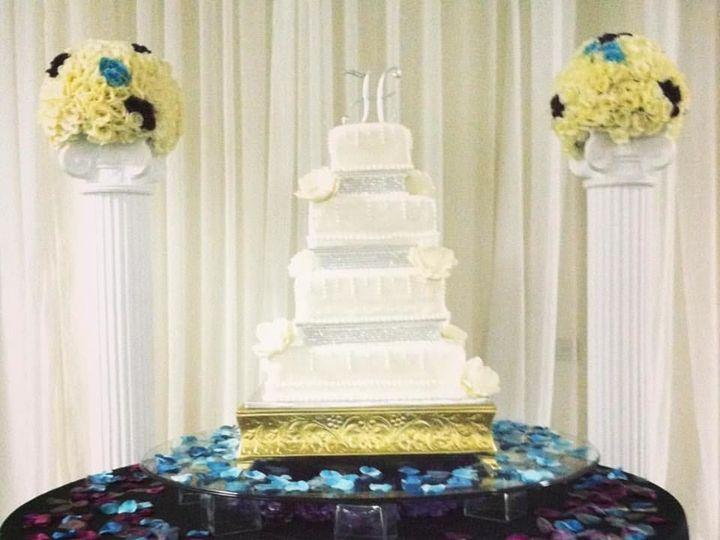 Tmx 1523925177 4cec598a36ba2ae0 1523925176 E321aad3be11bd23 1523925177347 4 22519145 107467020 Tampa, FL wedding cake