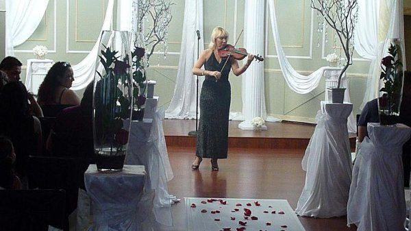 Beautiful wedding at Wellington Place in Las Vegas  playing for wedding guests