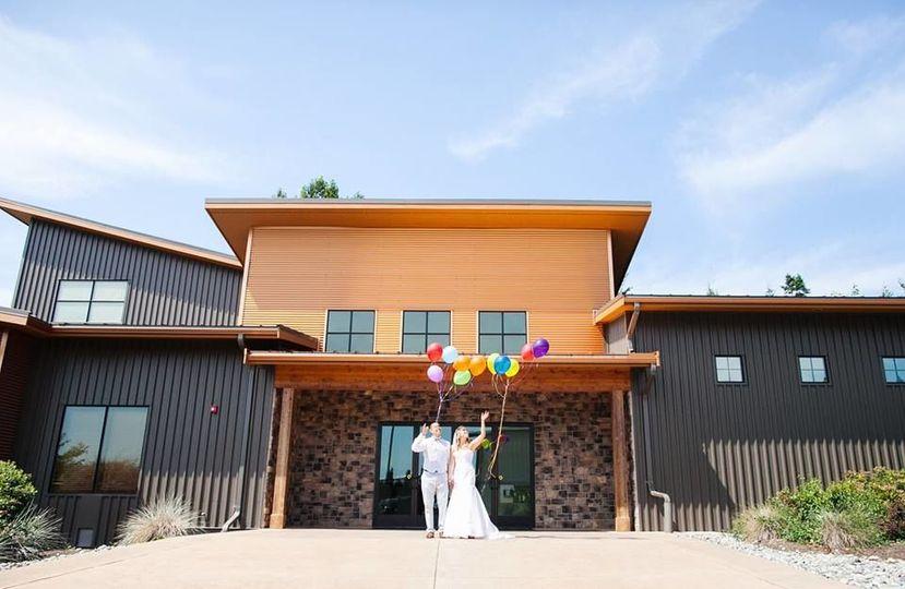 acf85cbd7701412f balloons at entrance