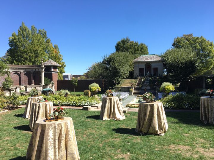 Cocktail hour in upper lawn