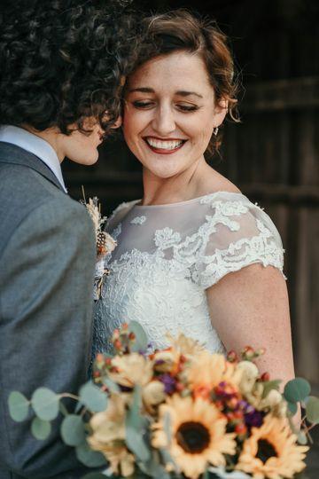 A smiing bride