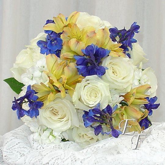 white dove rose bouquet web