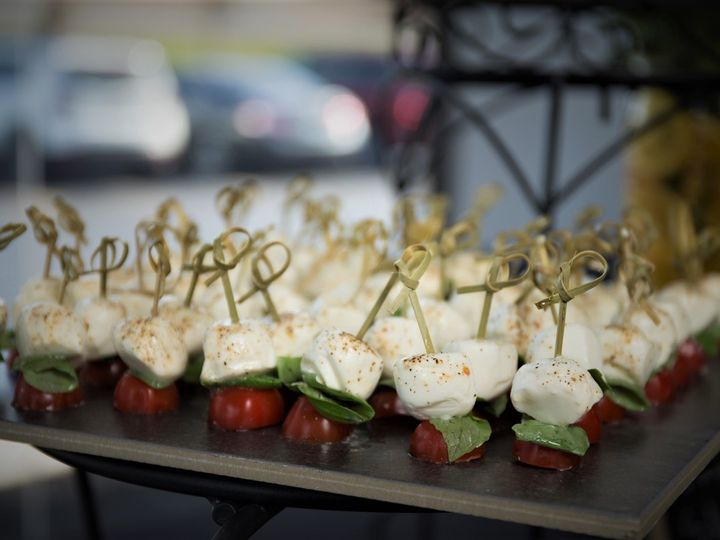 Tmx Capreses 51 983330 157600758540376 Shawnee wedding catering